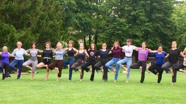 Yoga auch am Frauenstreiktag
