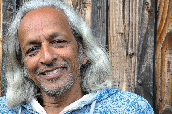 """R. Sriram: """"Yoga ist ein ganzheitlicher Übungsweg"""""""